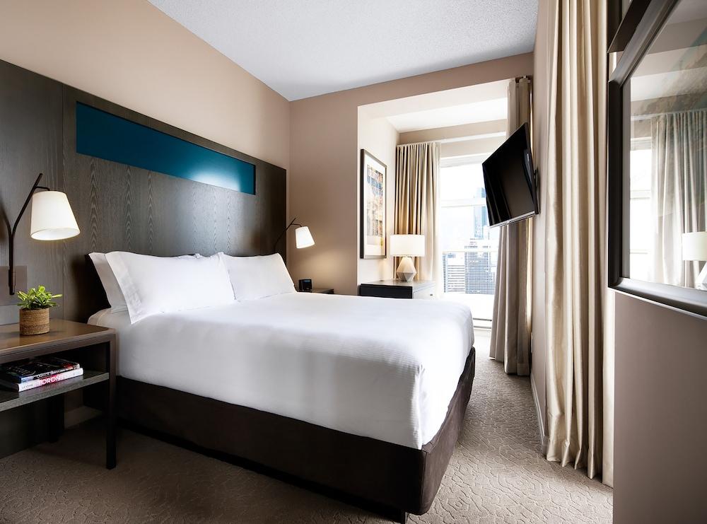 원 킹 웨스트 호텔 앤드 레지던스(One King West Hotel & Residence) Hotel Image 15 - Guestroom