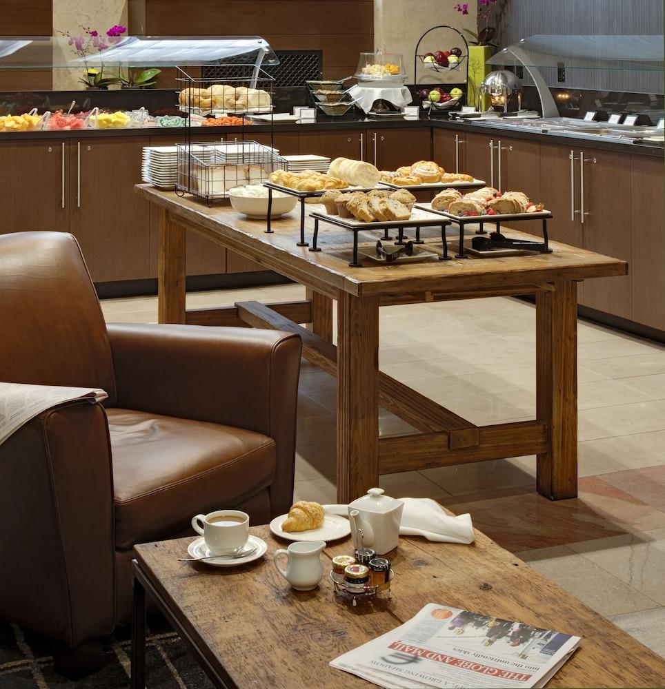 원 킹 웨스트 호텔 앤드 레지던스(One King West Hotel & Residence) Hotel Image 30 - Breakfast Area