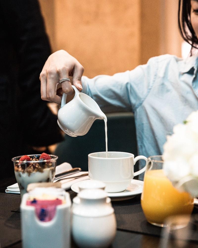 원 킹 웨스트 호텔 앤드 레지던스(One King West Hotel & Residence) Hotel Image 32 - Breakfast Meal