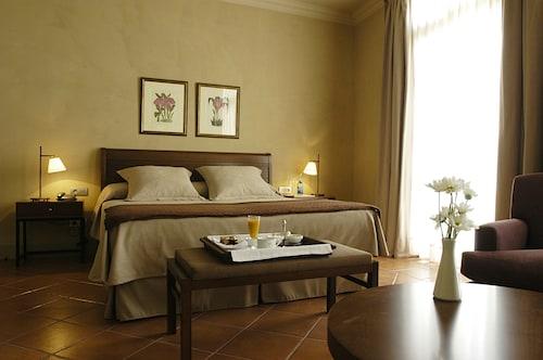 . Hotel Bremon