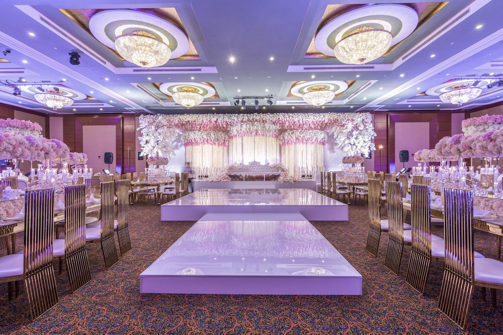 로다 알 무로즈(Roda Al Murooj) Hotel Image 80 - Indoor Wedding
