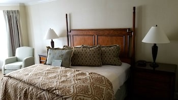 Standard Room, 1 King Bed