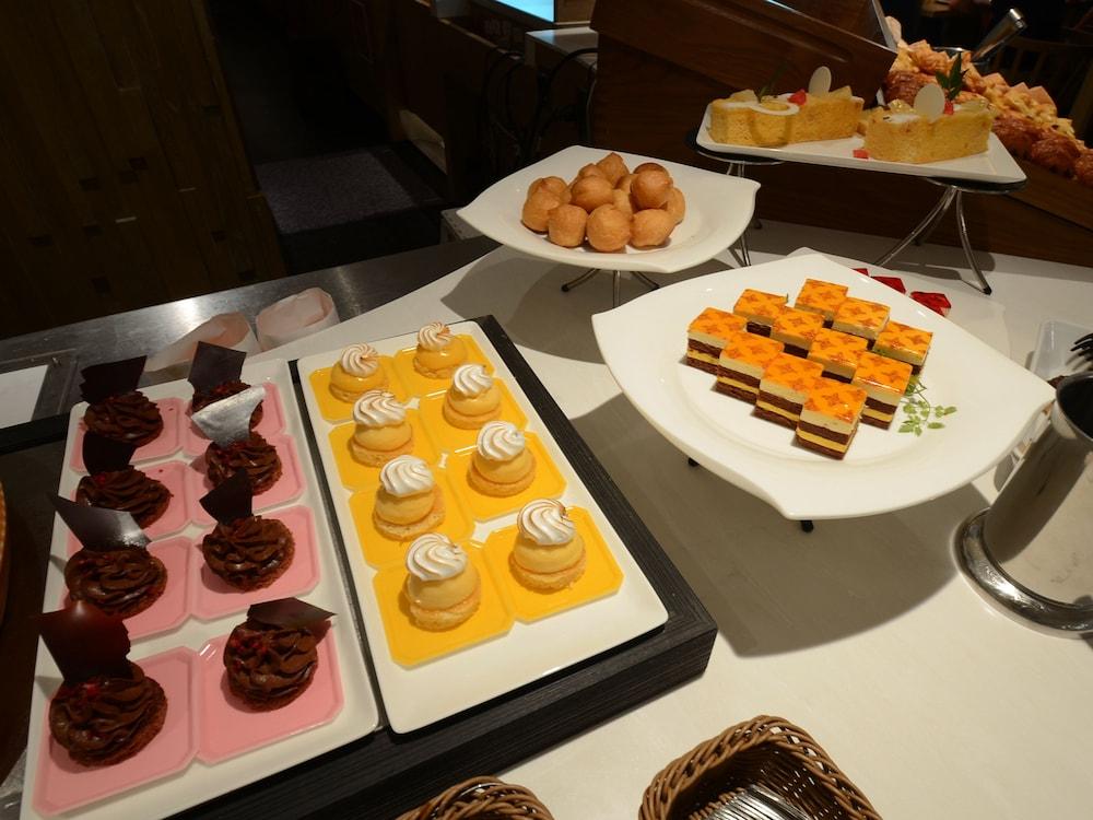 호텔 니코 히메지(Hotel Nikko Himeji) Hotel Image 94 - Buffet