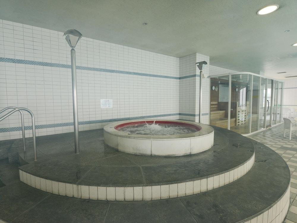 호텔 니코 히메지(Hotel Nikko Himeji) Hotel Image 44 - Indoor Spa Tub