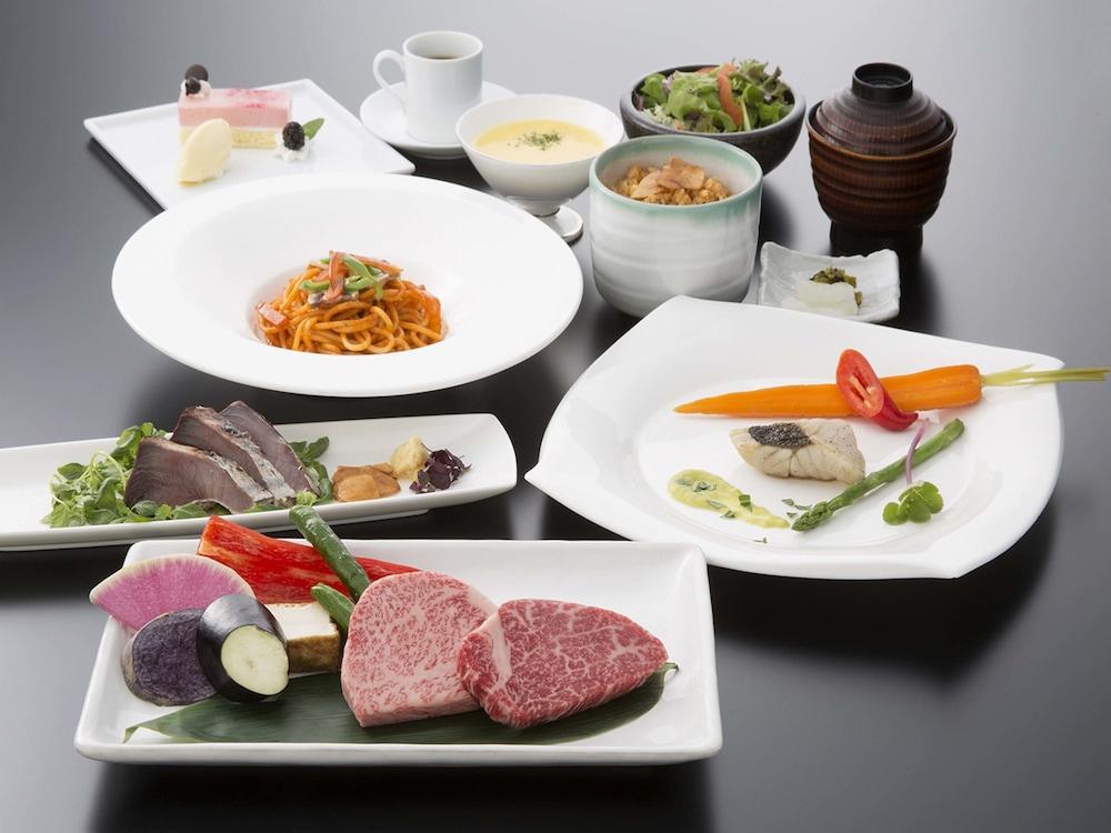 호텔 니코 히메지(Hotel Nikko Himeji) Hotel Image 69 - Restaurant