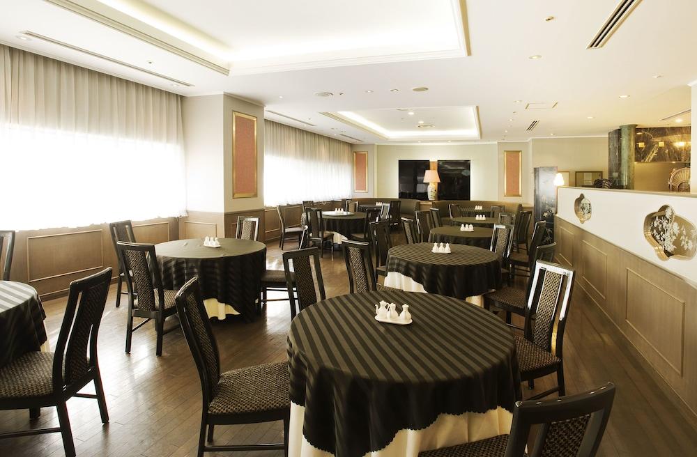 호텔 니코 히메지(Hotel Nikko Himeji) Hotel Image 62 - Restaurant