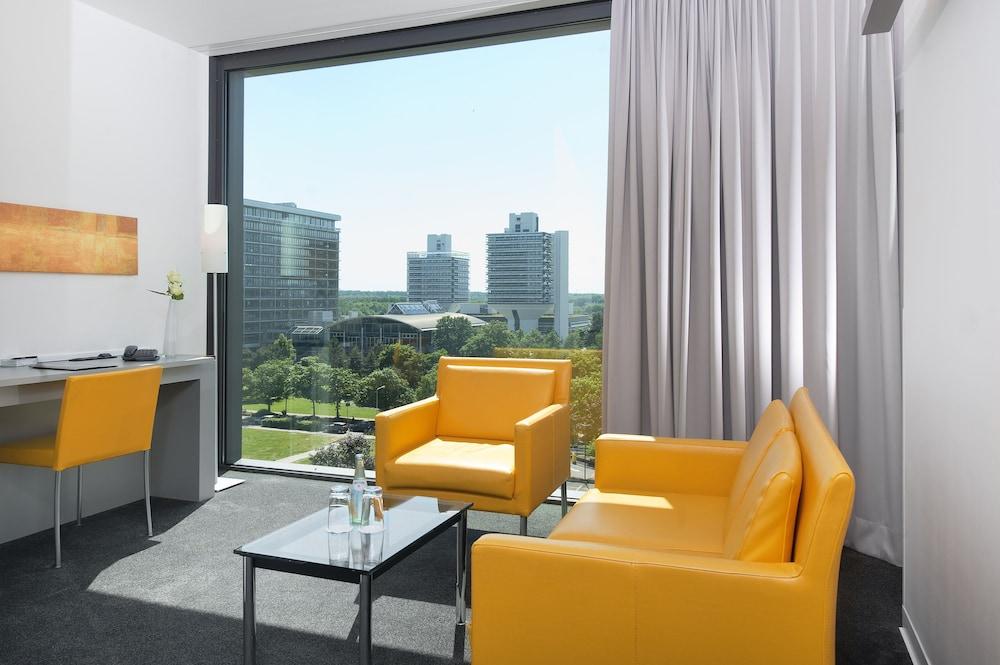 인사이드 바이 멜리아 프랑크푸르트 니데르라트(INNSIDE by Meliá Frankfurt Niederrad) Hotel Image 12 - Guestroom