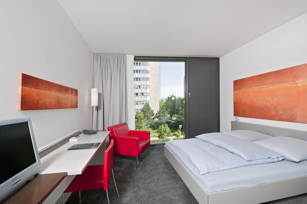 인사이드 바이 멜리아 프랑크푸르트 니데르라트(INNSIDE by Meliá Frankfurt Niederrad) Hotel Image 4 - Guestroom