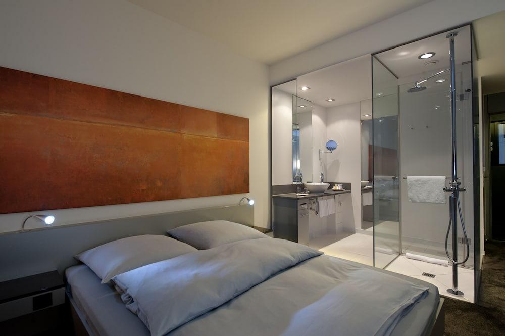 인사이드 바이 멜리아 프랑크푸르트 니데르라트(INNSIDE by Meliá Frankfurt Niederrad) Hotel Image 14 - Bathroom