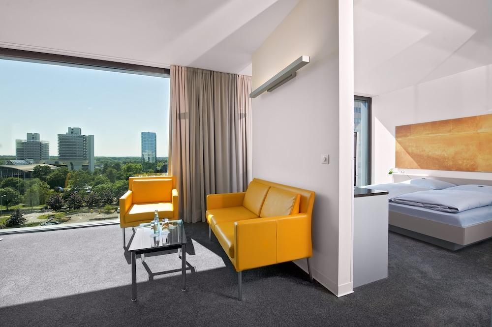 인사이드 바이 멜리아 프랑크푸르트 니데르라트(INNSIDE by Meliá Frankfurt Niederrad) Hotel Image 8 - Guestroom