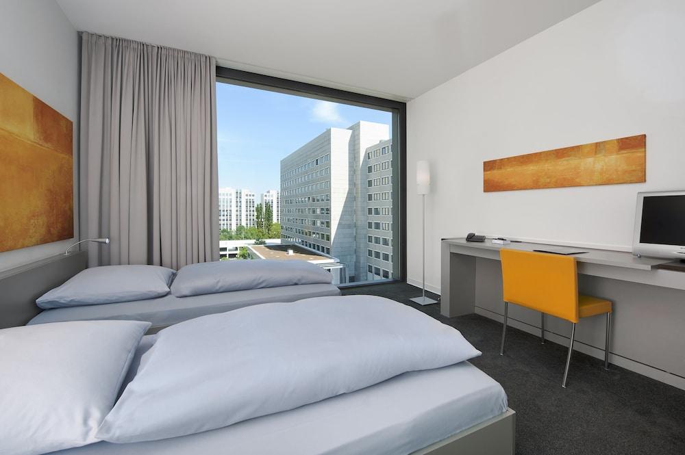 인사이드 바이 멜리아 프랑크푸르트 니데르라트(INNSIDE by Meliá Frankfurt Niederrad) Hotel Image 5 - Guestroom