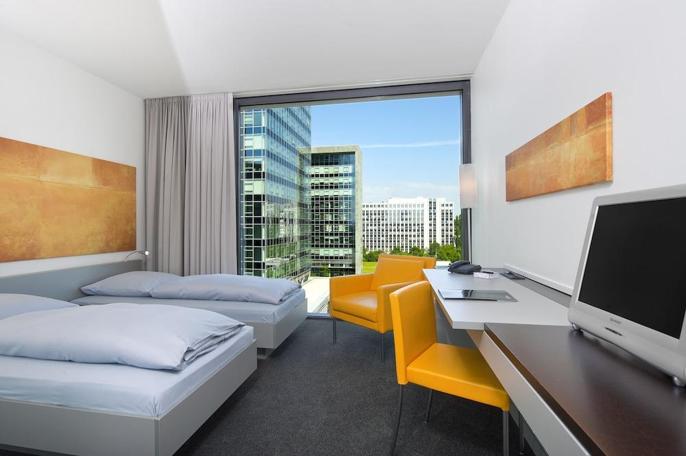 인사이드 바이 멜리아 프랑크푸르트 니데르라트(INNSIDE by Meliá Frankfurt Niederrad) Hotel Image 9 - Guestroom