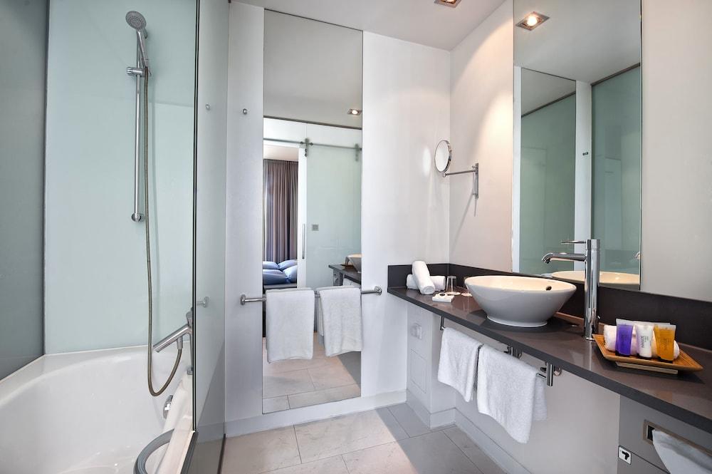 인사이드 바이 멜리아 프랑크푸르트 니데르라트(INNSIDE by Meliá Frankfurt Niederrad) Hotel Image 32 - Bathroom