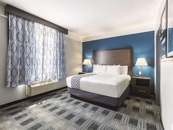 Family Suite, Multiple Beds, Accessible, Non Smoking (Mobility/Hearing Impaired Accessible)