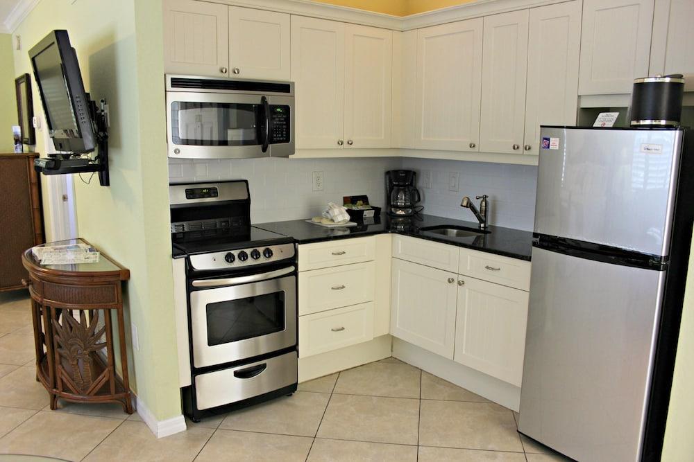 트로피컬 비치 리조트(Tropical Beach Resorts) Hotel Image 108 - In-Room Kitchen