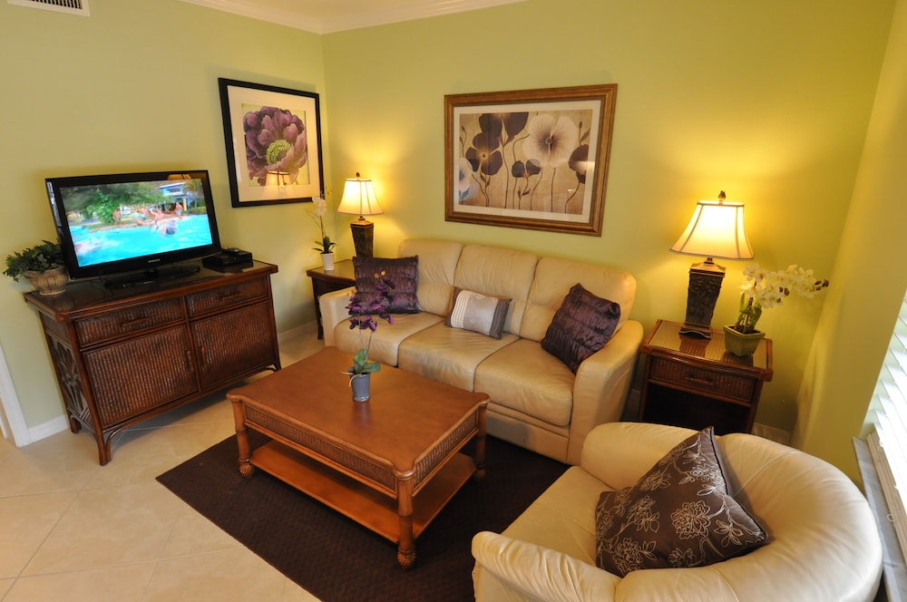 트로피컬 비치 리조트(Tropical Beach Resorts) Hotel Image 119 - Living Area