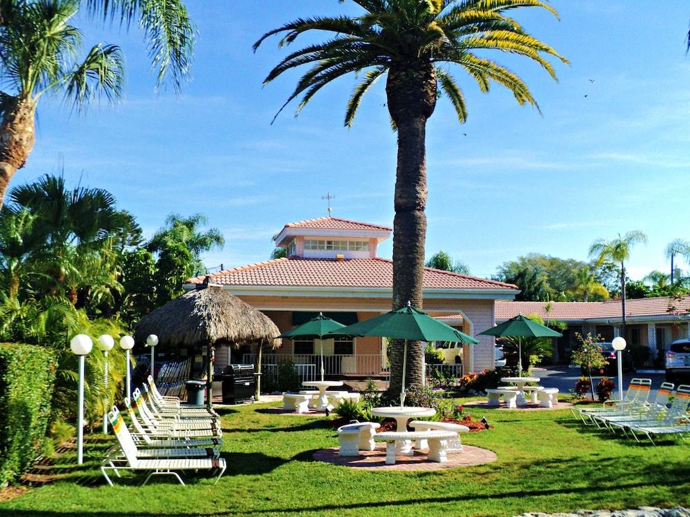 트로피컬 비치 리조트(Tropical Beach Resorts) Hotel Image 156 - Property Grounds