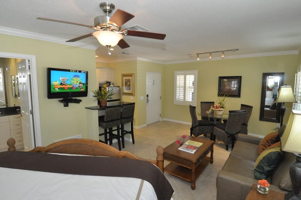 트로피컬 비치 리조트(Tropical Beach Resorts) Hotel Image 115 - Living Area