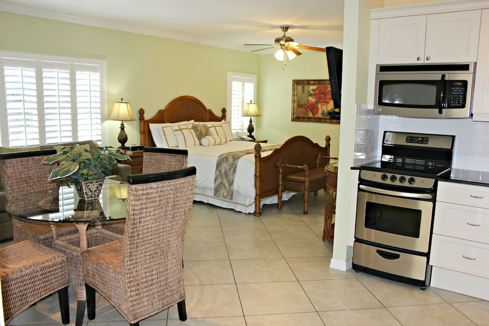 트로피컬 비치 리조트(Tropical Beach Resorts) Hotel Image 117 - Living Area