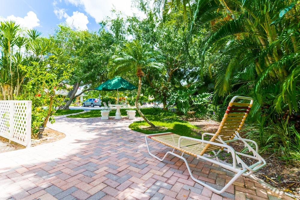 트로피컬 비치 리조트(Tropical Beach Resorts) Hotel Image 158 - Property Grounds