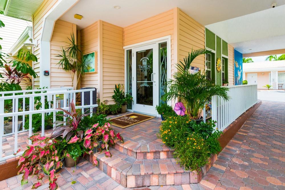 트로피컬 비치 리조트(Tropical Beach Resorts) Hotel Image 161 - Hotel Entrance