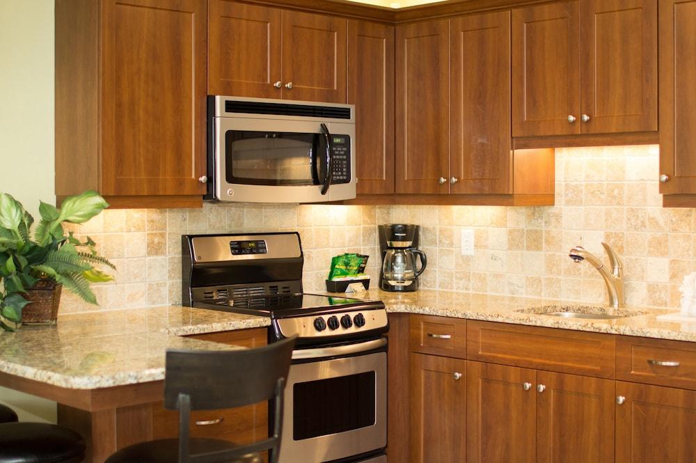 트로피컬 비치 리조트(Tropical Beach Resorts) Hotel Image 112 - In-Room Kitchen