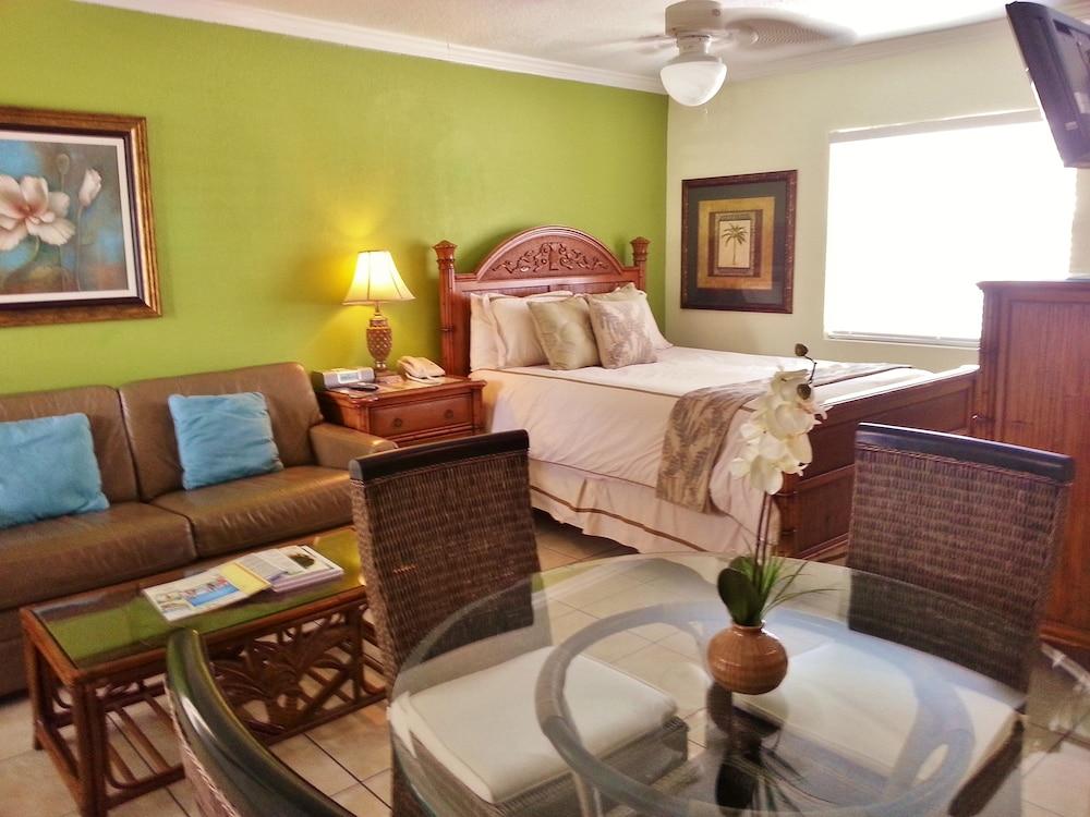 트로피컬 비치 리조트(Tropical Beach Resorts) Hotel Image 116 - Living Area