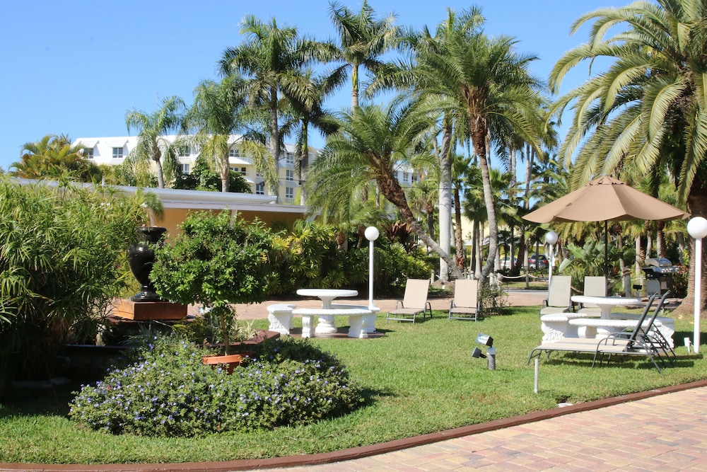 트로피컬 비치 리조트(Tropical Beach Resorts) Hotel Image 165 - Courtyard