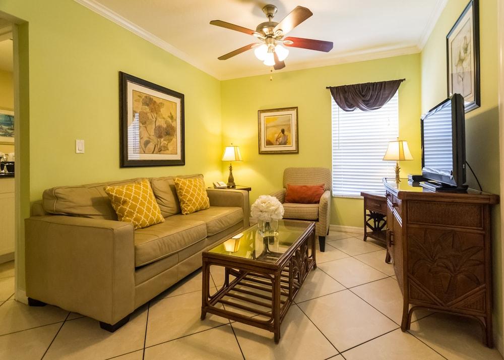 트로피컬 비치 리조트(Tropical Beach Resorts) Hotel Image 55 - Guestroom