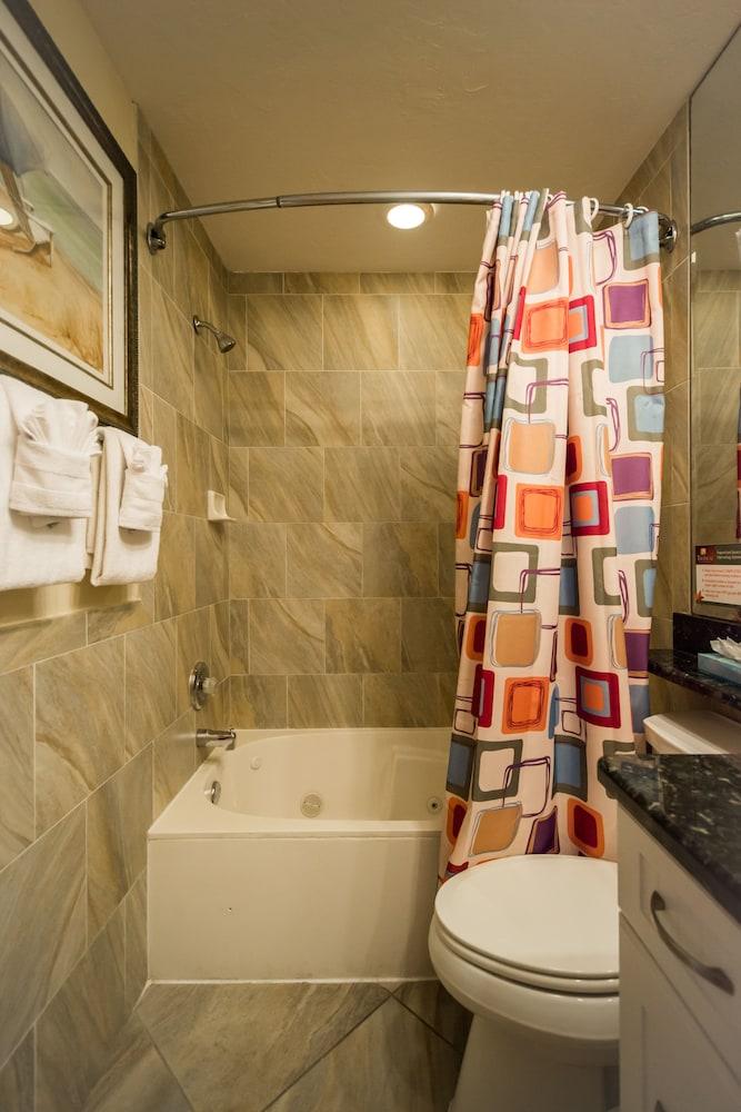 트로피컬 비치 리조트(Tropical Beach Resorts) Hotel Image 139 - Jetted Tub