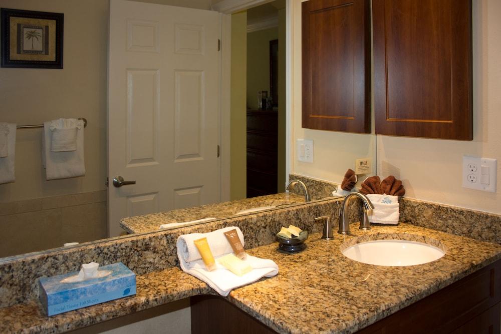 트로피컬 비치 리조트(Tropical Beach Resorts) Hotel Image 140 - Bathroom Sink