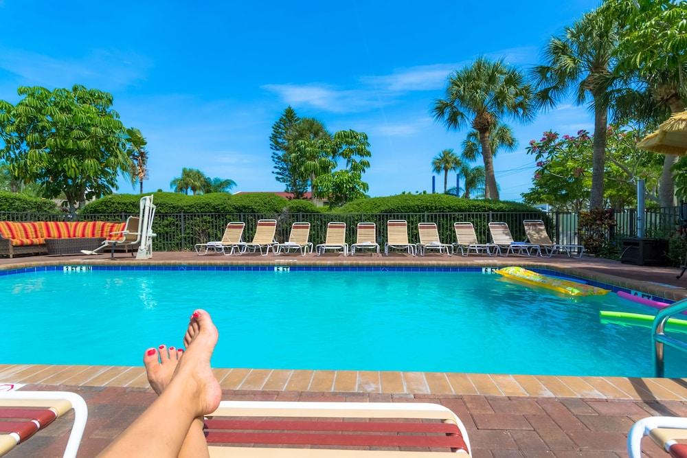 트로피컬 비치 리조트(Tropical Beach Resorts) Hotel Image 143 - Outdoor Pool