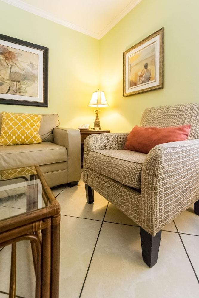 트로피컬 비치 리조트(Tropical Beach Resorts) Hotel Image 65 - Guestroom