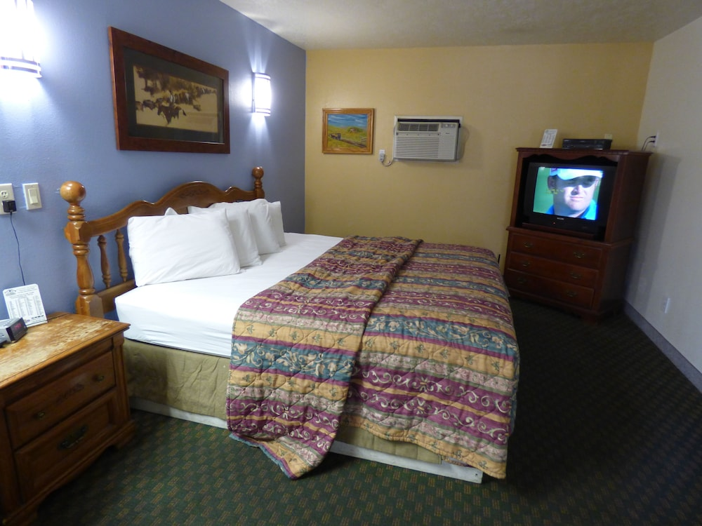 코로나다 인 앤드 스위트(Coronada Inn and Suites) Hotel Image 3 - Guestroom
