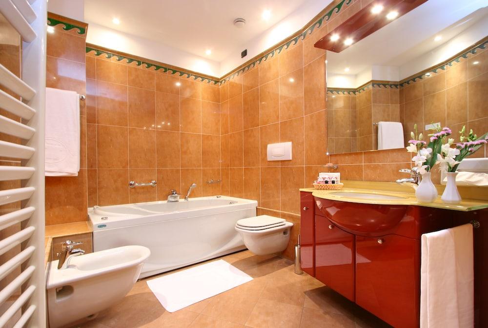 퀄리스-호텔 투린 로얄(QUALYS-HOTEL Turin Royal) Hotel Image 22 - Bathroom