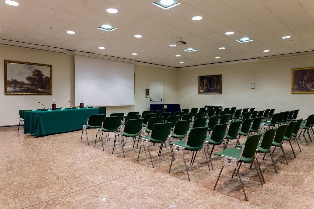 퀄리스-호텔 투린 로얄(QUALYS-HOTEL Turin Royal) Hotel Image 32 - Business Center