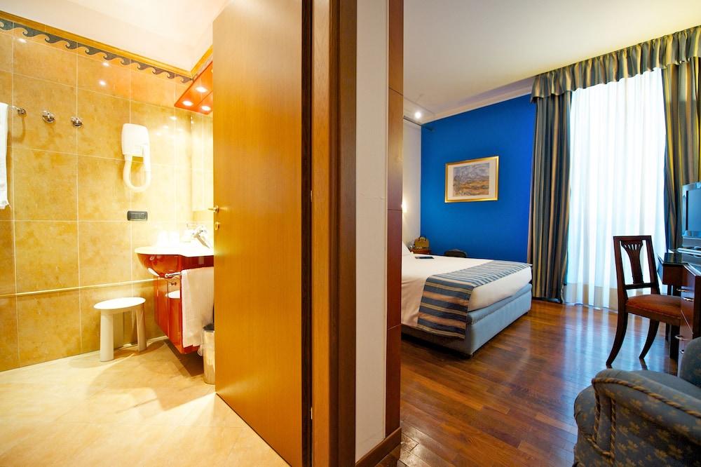 퀄리스-호텔 투린 로얄(QUALYS-HOTEL Turin Royal) Hotel Image 34 - Living Area