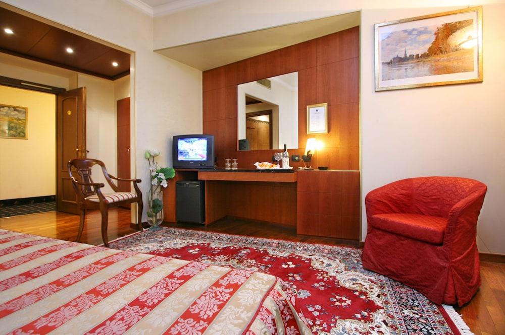 퀄리스-호텔 투린 로얄(QUALYS-HOTEL Turin Royal) Hotel Image 4 - Guestroom