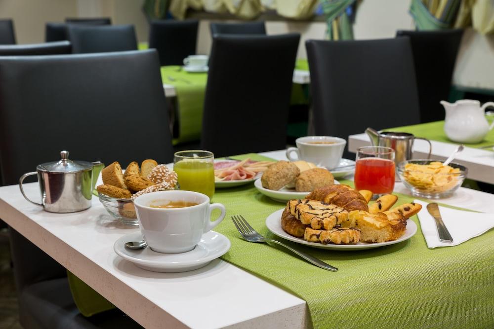 퀄리스-호텔 투린 로얄(QUALYS-HOTEL Turin Royal) Hotel Image 28 - Breakfast Area