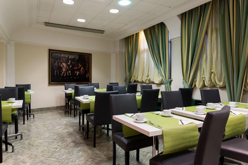 퀄리스-호텔 투린 로얄(QUALYS-HOTEL Turin Royal) Hotel Image 29 - Breakfast Area