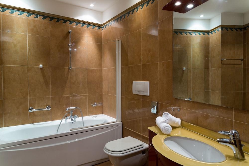 퀄리스-호텔 투린 로얄(QUALYS-HOTEL Turin Royal) Hotel Image 25 - Bathroom
