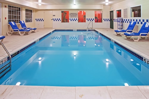 __{offers.Best_flights}__ Country Inn & Suites by Radisson, Youngstown West, OH