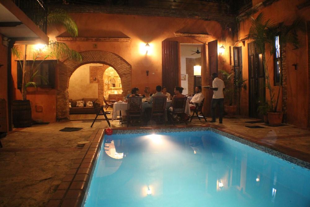호텔 도냐 엘비라(Hotel Doña Elvira) Hotel Image 42 - Terrace/Patio