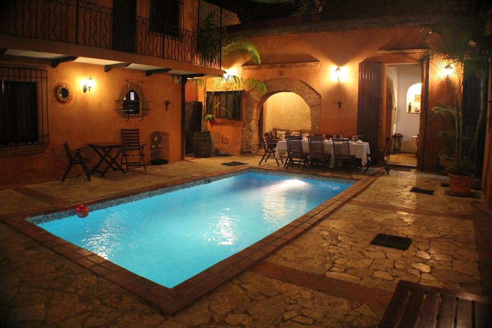 호텔 도냐 엘비라(Hotel Doña Elvira) Hotel Image 0 - Featured Image