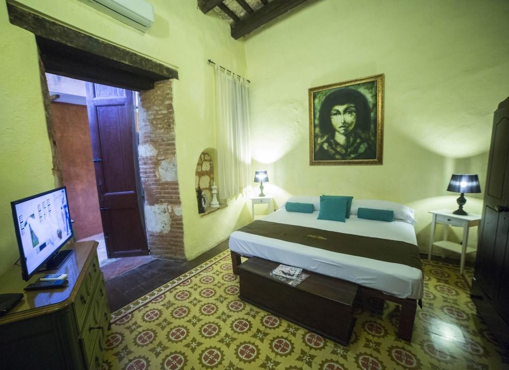 호텔 도냐 엘비라(Hotel Doña Elvira) Hotel Image 15 - Guestroom