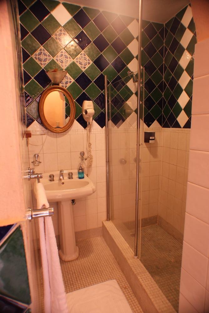 호텔 도냐 엘비라(Hotel Doña Elvira) Hotel Image 21 - Bathroom