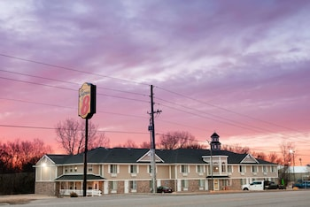 Hotel - Super 8 by Wyndham Arkansas City KS