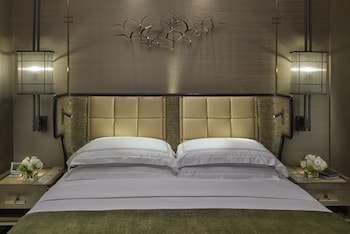 L600 Deluxe King Room