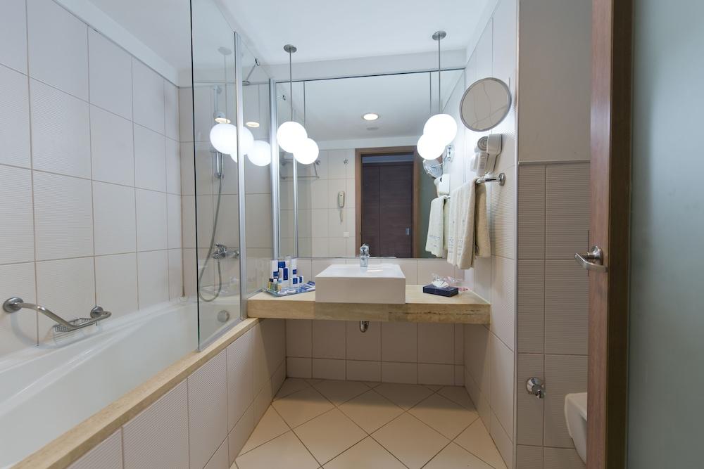 콩코드 드 럭스 리조트 - 올 인클루시브(Concorde De Luxe Resort - All Inclusive) Hotel Image 22 - Bathroom