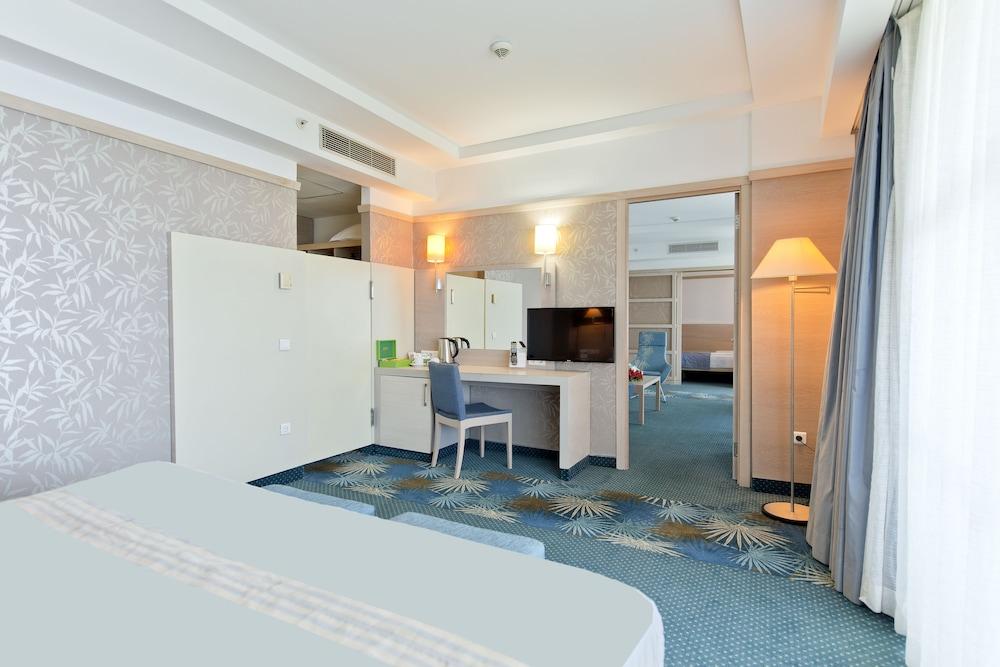 콩코드 드 럭스 리조트 - 올 인클루시브(Concorde De Luxe Resort - All Inclusive) Hotel Image 8 - Guestroom